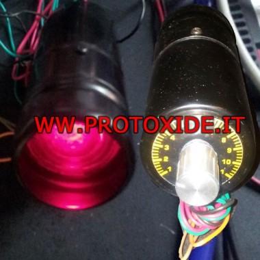 Sarkanā maiņas gaisma pagriezieniem Motora tahometrs un maiņstrāvas lukturi