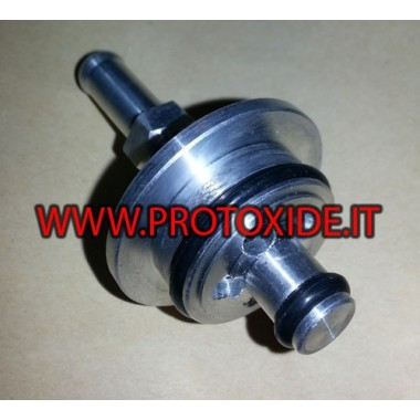 Adapter for flute for external fuel pressure regulator