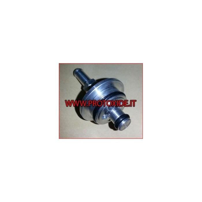 Adapter for flute for external fuel pressure regulator