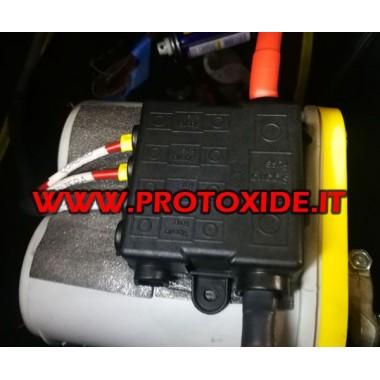 Blok dystrybucyjny z bezpiecznikami dla akumulatora dodatniego Złącza jednostki sterującej i okablowanie jednostki sterującej