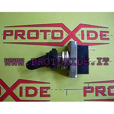 Interruptor con protección impermeable. Interruptores y mandos a distancia